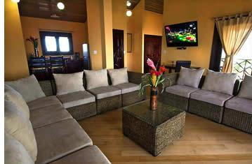 Vardagsrummet i Palma Royales takvåning